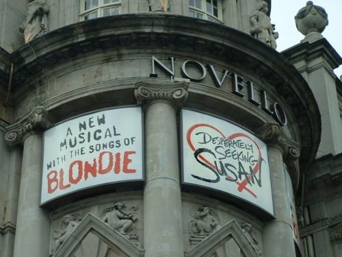 Новелло-театр в Лондоне (3)