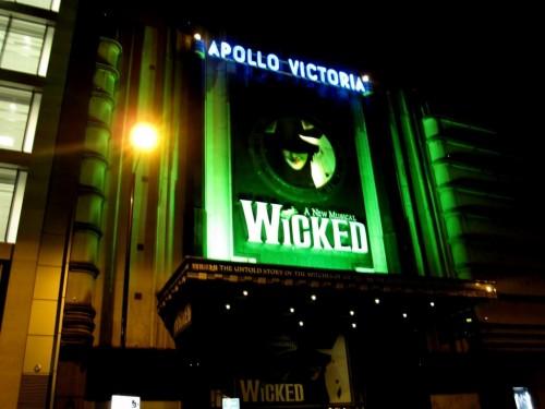 Театр «Аполло»-Виктория в Лондоне (3)