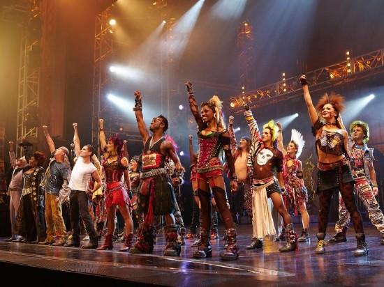 Театр «Доминион» в Лондоне  (1)