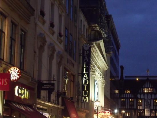 Театр «Лондон Палладиум» в Лондоне (1)
