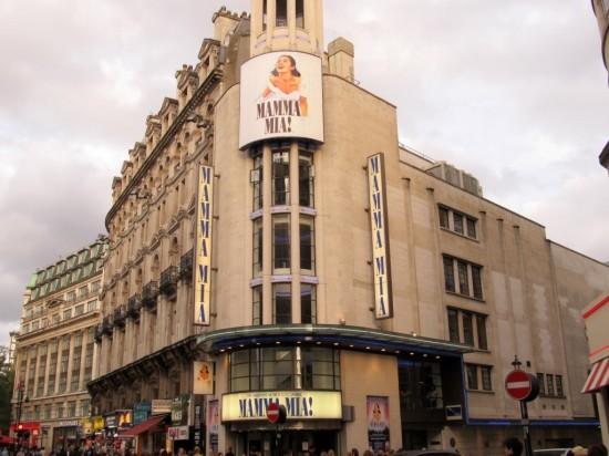 Театр Принца Уэльского в Лондоне (1)